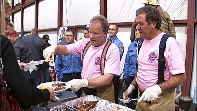 Tulsa Cops, Firefighters Put Their BBQ Skills To The Test