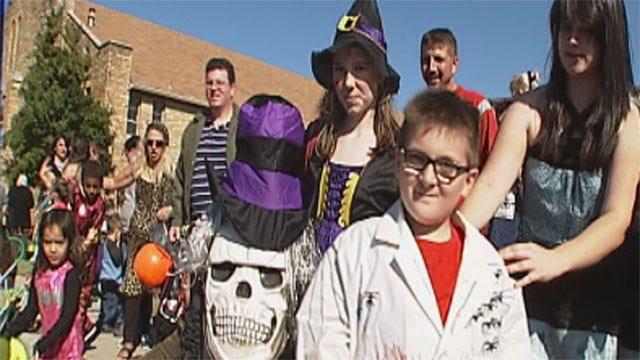 Tulsa Children Attend 'Boo Ha Ha' Parade In Costumes