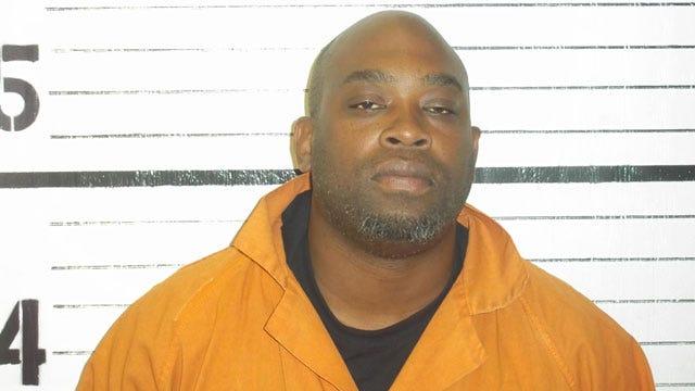 Former Sooner Jamelle Holieway Arrested