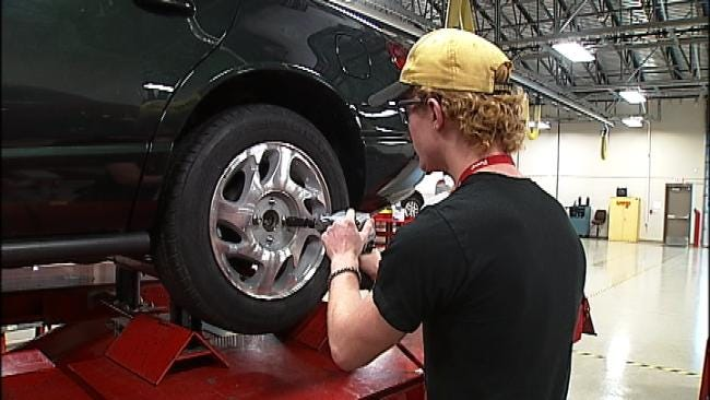 T. Boone Pickens Attends Broken Arrow Alternative Fuels Center Ribbon Cutting