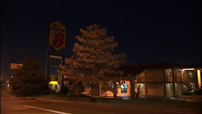 East Tulsa Motel Guest Robbed At Gunpoint