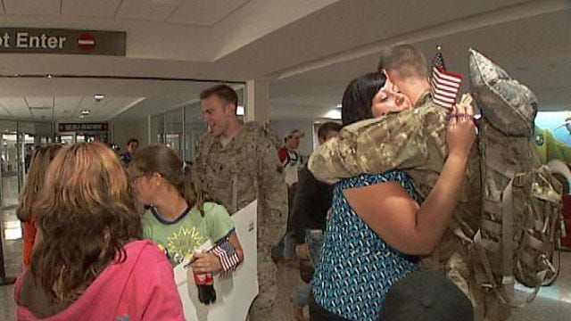 Battle Tested Brothers Receive Patriot's Welcome At Tulsa Airport