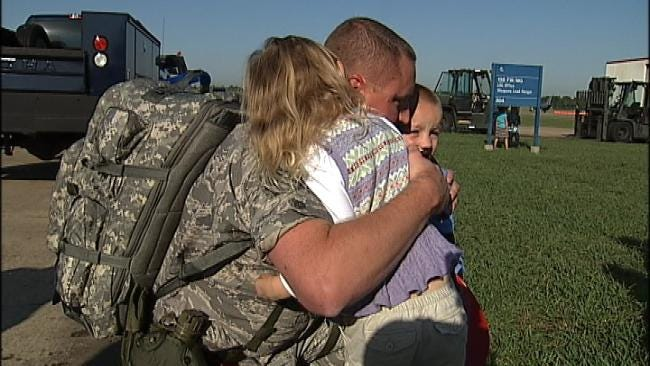 Loved Ones Say Goodbye As Oklahoma Airmen Head Back to Iraq