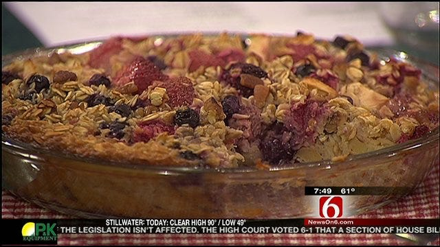 Apple Berry Baked Oatmeal
