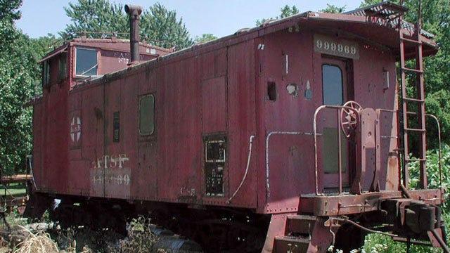 Kansas Man Donates Railroad Caboose To City Of Bartlesville