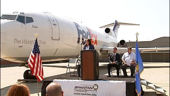 Fed-Ex Donates Airplane To Tulsa's Spartan College
