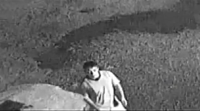 Okmulgee Deputies Seek Burglary Suspects