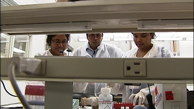 Tulsa DNA Experts Train Sri Lankan Biologists