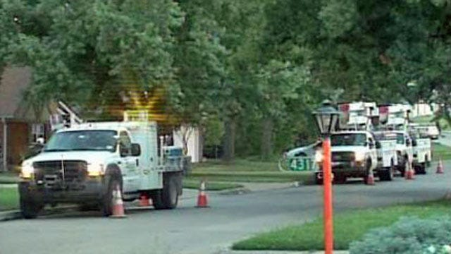 PSO Crews From McAlester, Lawton In Louisiana To Help Restore Power
