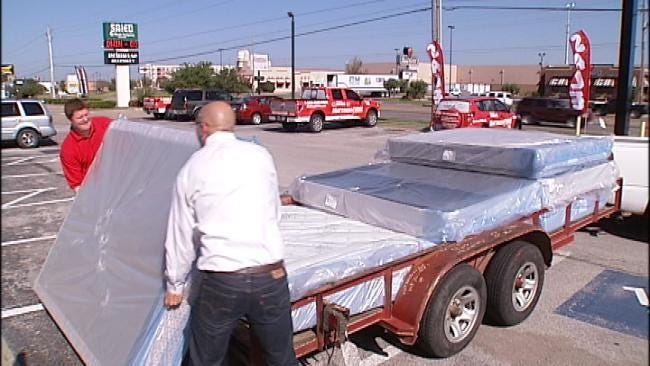 Creek County Wildfire Victims Receive Donated Mattresses From Tulsa Store