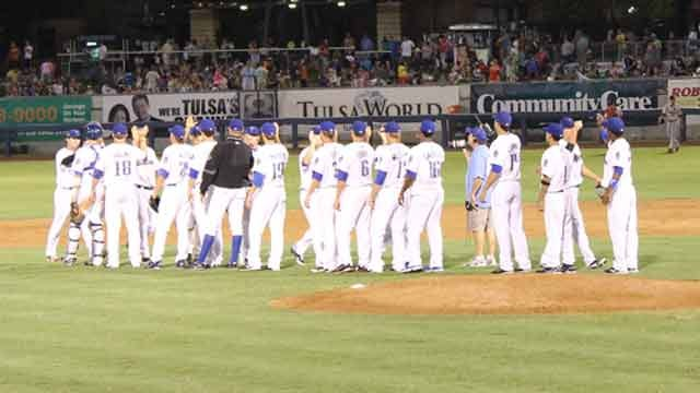 Dickerson's Blast Propels Drillers To Extra-Inning Win