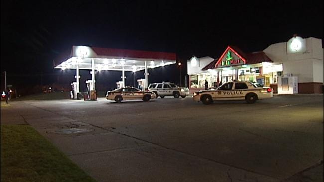 Two Men Rob Tulsa Convenience Store At Gunpoint