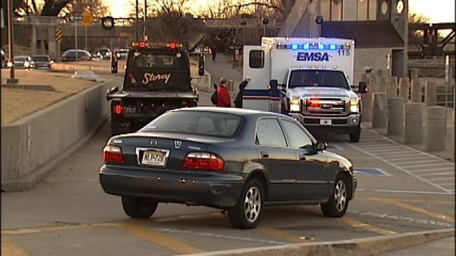 Tulsa Police: Car Runs Off Riverside Drive Into Arkansas River