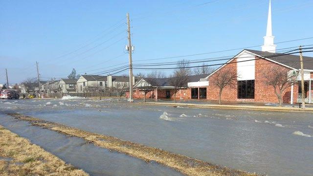 Tulsa Water Main Break Floods Neighborhood On 61st Street, Prompts Evacuations