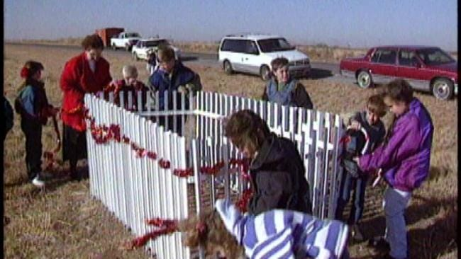 From The KOTV Vault: Kids Decorate Baby's Grave With Christmas Magic, 1995