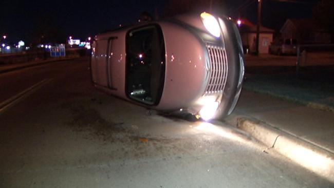 Tulsa Driver Flees Overnight Crash Scene