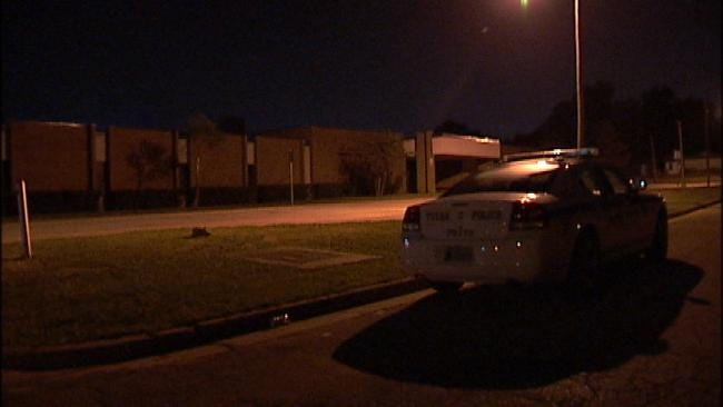 Tulsa Police Capture Suspects On Roof Of Sandburg Elementary School