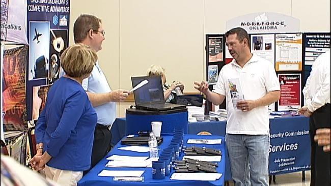 Hundreds Turn Out For Veterans Job Fair