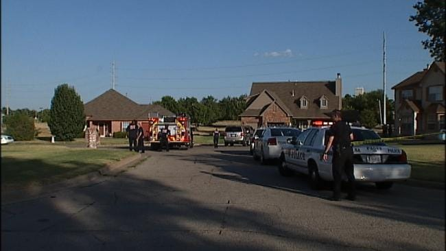 Police: Tulsa Man Shot By Father In Domestic Incident