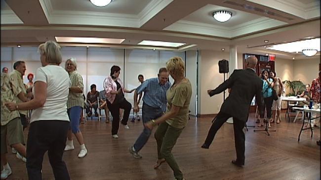 Legends Of Tulsa Radio Hold Old-Fashioned Sock Hop
