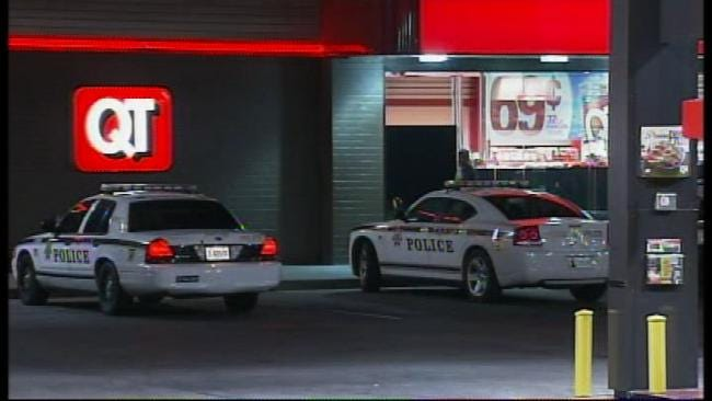 Lone Robber Holds Up East Tulsa QuikTrip