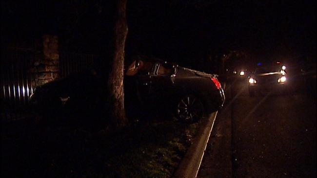 Driver Crashes Into Tree In Tulsa Neighborhood