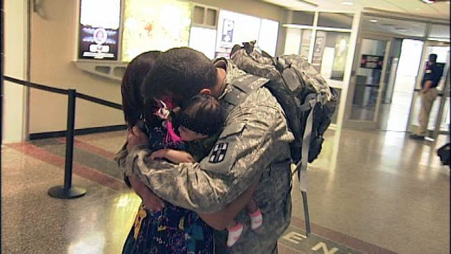 Vinita Soldier Returns To Infant Daughter