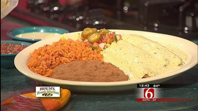 Chuy's Deluxe Tomatillo Sauce And Deluxe Tomatillo