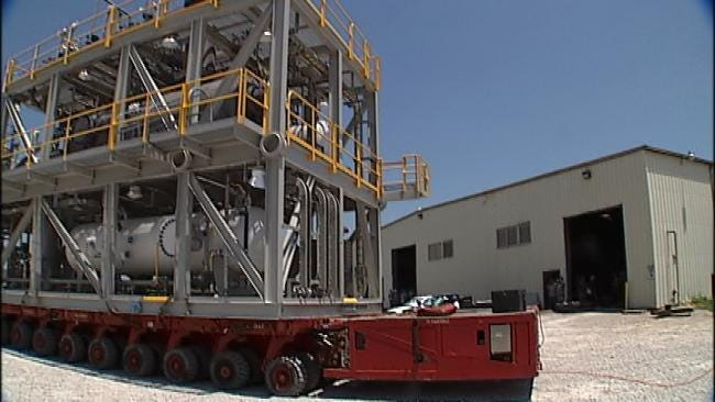 Huge Natural Gas Unit Begins Trip From Tulsa To Africa