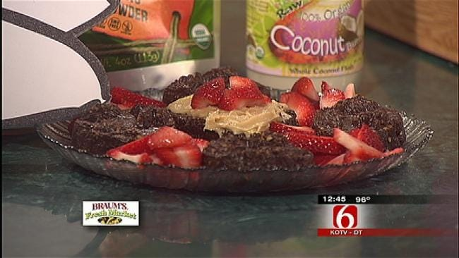 Yummy No Bake Chocolate Cake With Cashew Vanilla Frosting