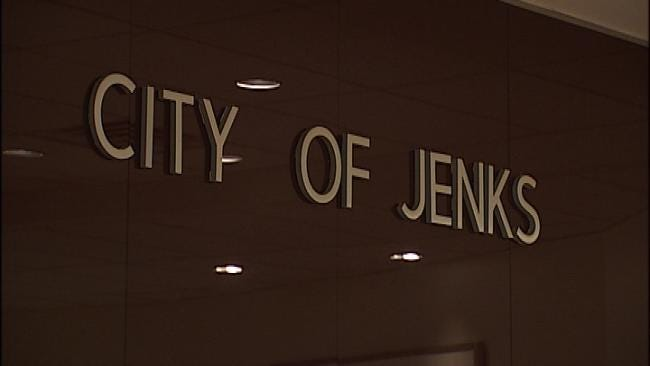 Jenks Police Officer Collapses, Dies