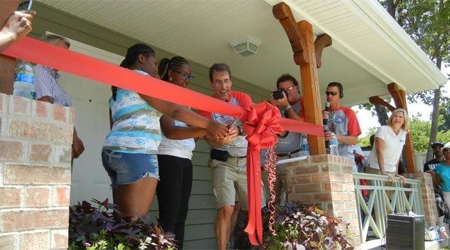 Talk Show Host Clark Howard Helps Dedicate Tulsa Habitat Home