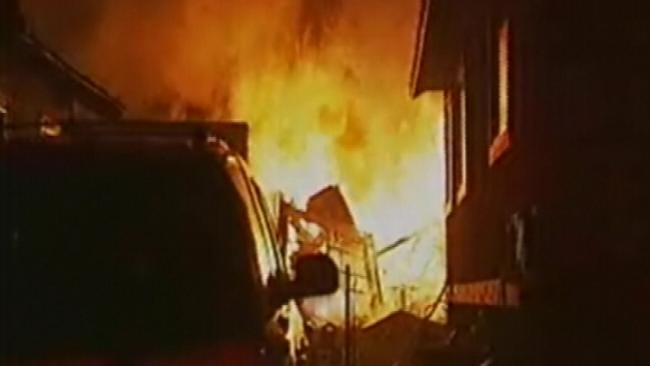 Tulsa Firefighters Keep Garage Fire From Spreading To Home