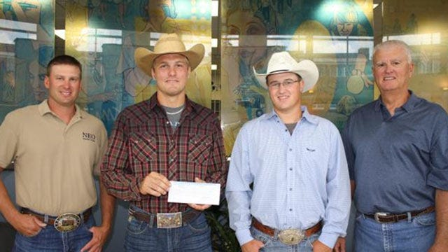 Two NE Oklahoma Residents Compete At College National Finals Rodeo