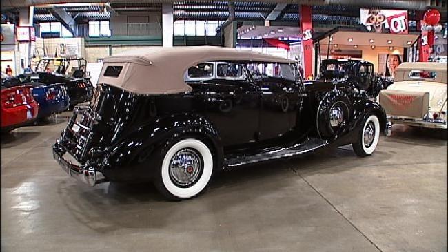 Leake Car Auction Boasts Classic, Muscle Cars