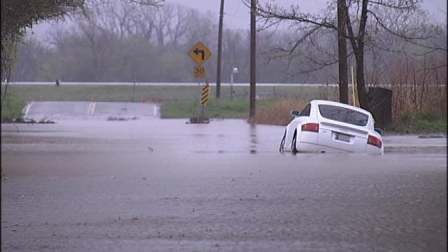 High Water Closes Tulsa Streets, State Highway