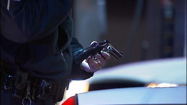 Tulsa Police: Man Arrested After Firing Handgun Near Bar, Chase