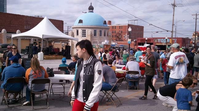 Tulsa Blue Dome District Hosts Eat Street Food Truck Festival