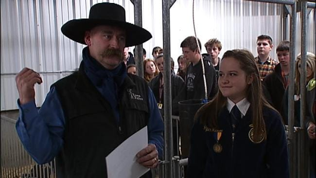 Popular Ag Broadcaster Visits Owasso With Special Award For FFA Student