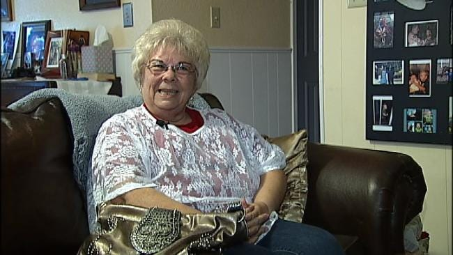Good Samaritan With Unexpected Personal Connection Returns Lost Purse
