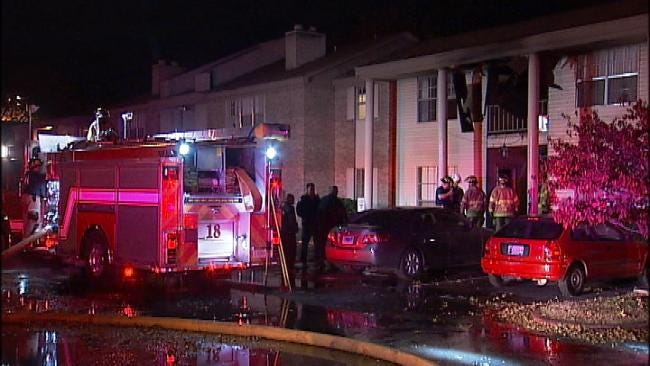 Midtown Apartment Fire Forces 2 To Jump From Balcony
