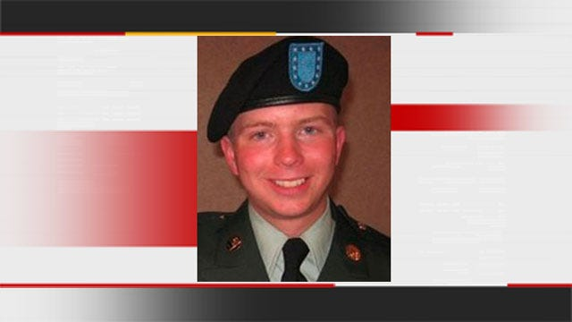 Oklahoma Soldier Charged In WikiLeaks Case Testifies About Pretrial Treatment