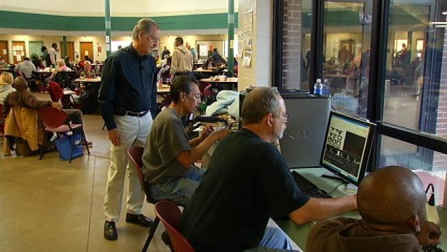 Broken Arrow Veteran Uses Computer Skills To Help Homeless