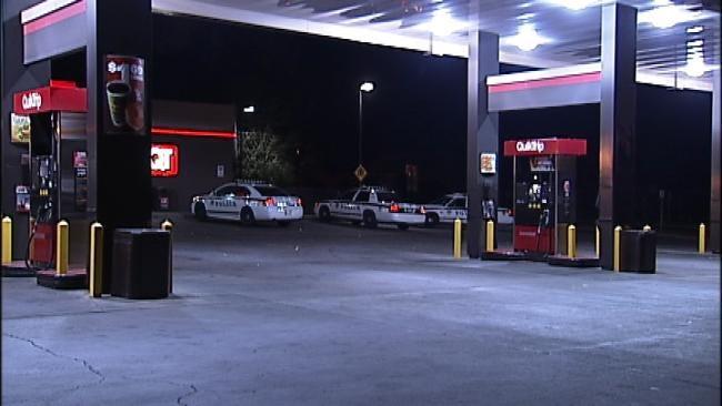 No One Hurt When Man Robs Tulsa QuikTrip At Gunpoint
