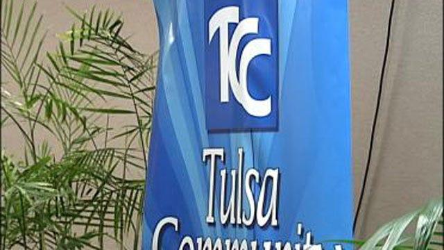 Grant Helps Tulsa Community College To Acquire Flight Simulator