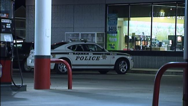 Mans Asks For Change, Robs Tulsa Convenience Store