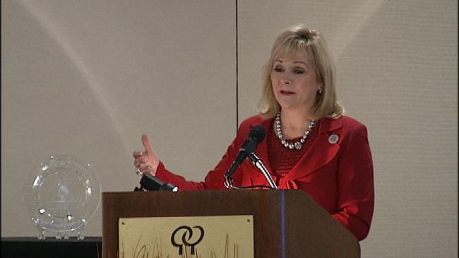 Oklahoma Governor Honored In Fight Against Hunger