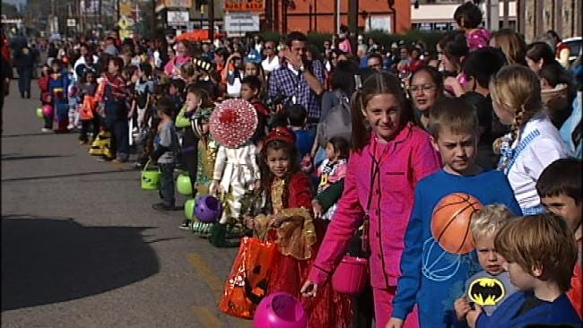 Hundreds Come Out For Annual Brookside BooHaHa Parade