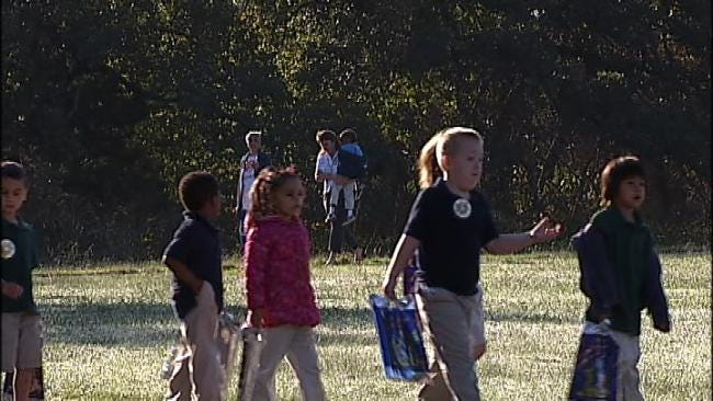 Hundreds Of Tulsa Area Children Participate In Walk To School Day