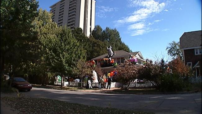 One Tulsa Resident Goes All Out With Halloween Decorations